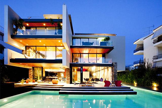 Къща с ексклузивен дизайн и модерна архитектура