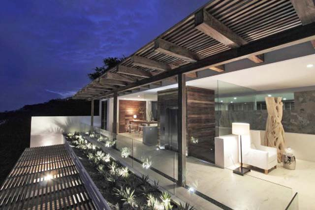 Къща на брега на Тихия океан в Мексико