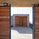 Входът към къщата