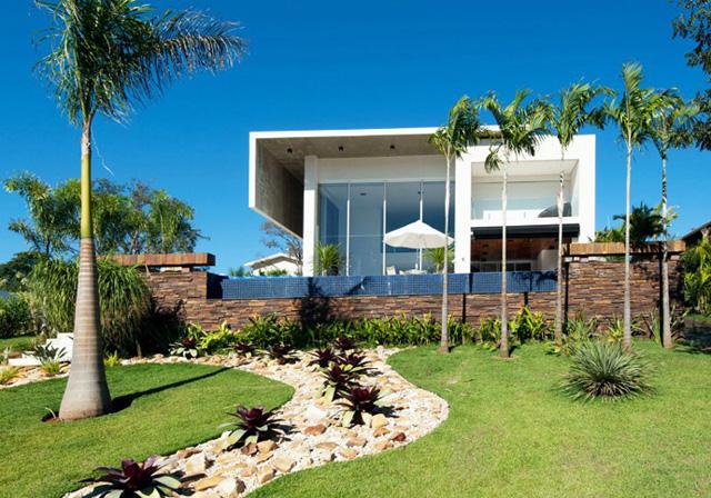 Сливане на архитектурата с околния пейзаж