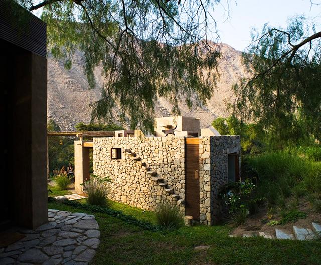 Камък, глина и дърво са основните използвани материали