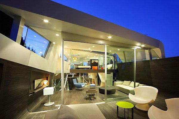 Модерна, но не минималистична къща в Калифорния