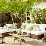 Възглавнички в пролетно зелено и цветя