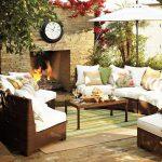 Декоративни възглавнички с флорални мотиви