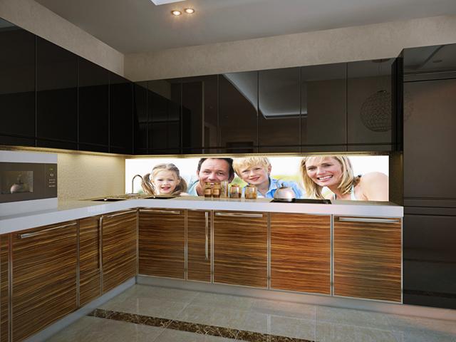 Принт гръб на кухня- Семеен портрет