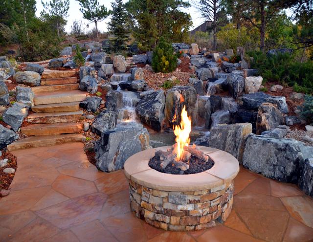 Хайде да поседнем навън - край огъня!