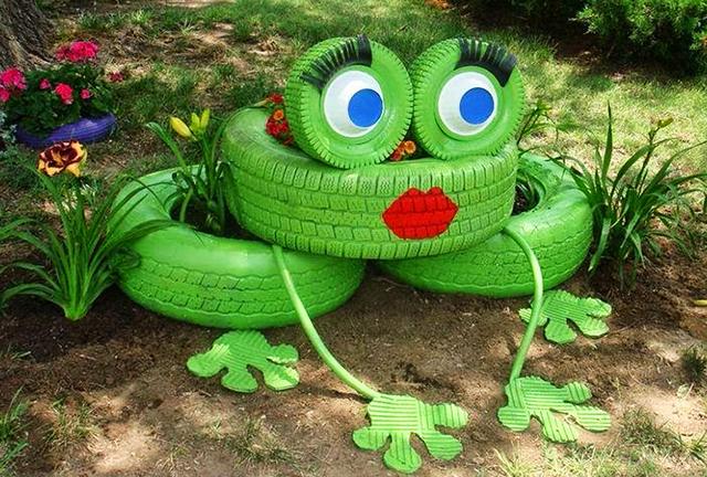 """""""Гумени"""" закачки и усмивки за градината"""