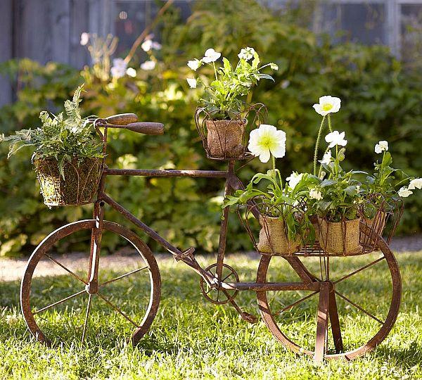 Градината обича да бъде красива!