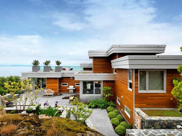 Къща с терасовидна градина в Канада