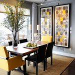 комбинация от столове в различен цвят създава индивидуалност