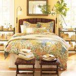 Табла на леглото  и табуретки от екзотична дървесина