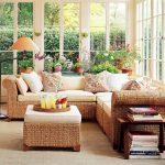 Някогашните единствено градински мебели се пренесоха трайно в интериора на дома
