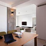 Изглед от трапезарията към дневната