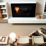 Бяла корпусна мебел с поставка за TV