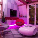 LED осветлението създава мистериозна атмосфера във вечерните часове