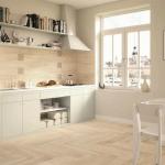 Larix - на пода и на стената в кухнята
