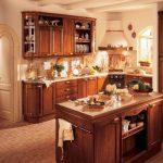 Ъглово разположена кухня с остров