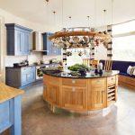 Атрактивен дизайн на кухненски остров