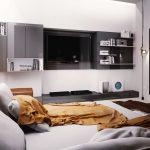 TV-кът е поставен срещу леглото