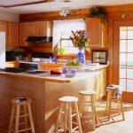 Кухня от дърво в натурален селски стил