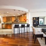 Дърво в кухнята и на пода