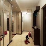 Гардеробът  за връхни дрехи е с огледални врати