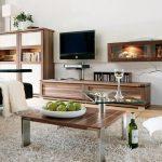Мебели с дървесен фурнир в модерна дневна