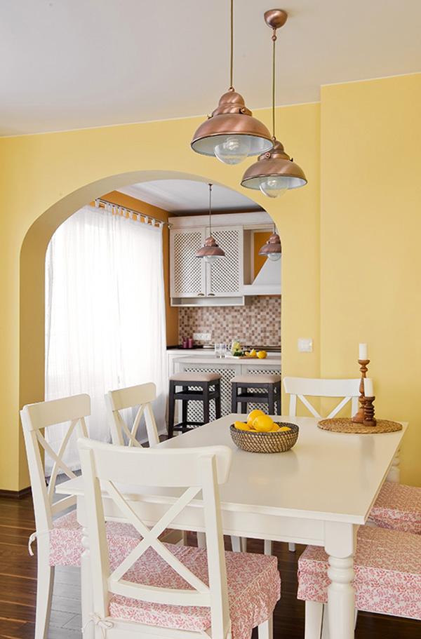 Арка между кухнята и трапезарията