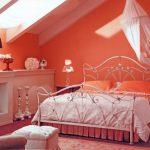 Спалня под покрива
