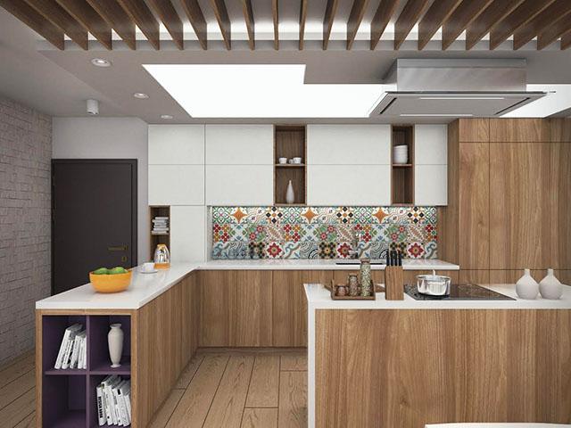 Кухня с ярък цветен гръб