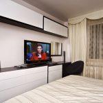TV - кът в спалнята