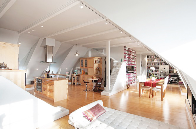 Интериор на мансарден апартамент