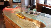 Стъклени плотове в кухнята