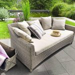 Удобен диван за сладка следобедна дрямка
