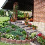 Дървени рамки за градински кътчета от палисади