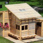 Дървена къща от палети