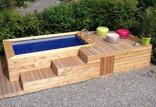 Домашен басейн, изграден с дървесина от палети