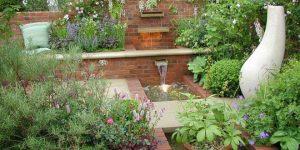 Градината – още по-ефектна с декоративни водни елементи