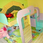Детска стая се превръща в цветна джунгла