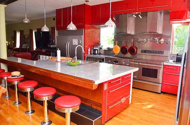 """Чарът на  """"горещите"""" интериори в кухнята"""