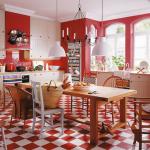 Свежа атмосфера и добро настроение в пъстра червено-бяла кухня!