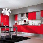 Червено, сиво и черно - великолепно цветово трио