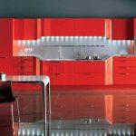 Червеният цвят превзема модерната кухня!