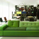 Малко смелост и... гарнитурата в зелено се превръща във фокусен център!