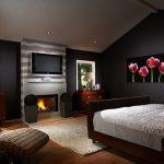 Модерна спалня с камина