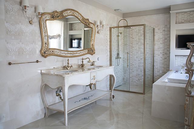 Италиански мебели от Клас Интериор - мивка с огледало