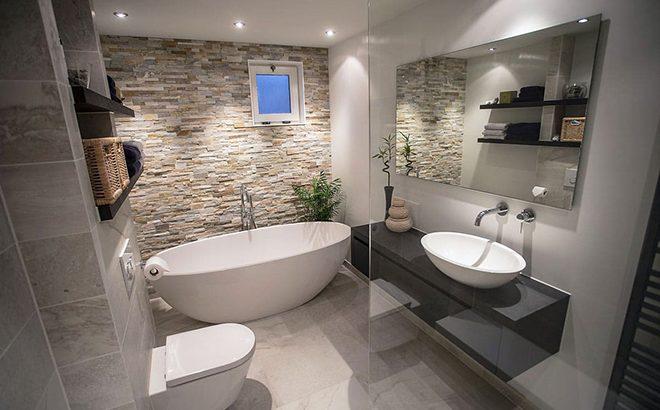 Декоративен камък в банята – дали идеята е добра?