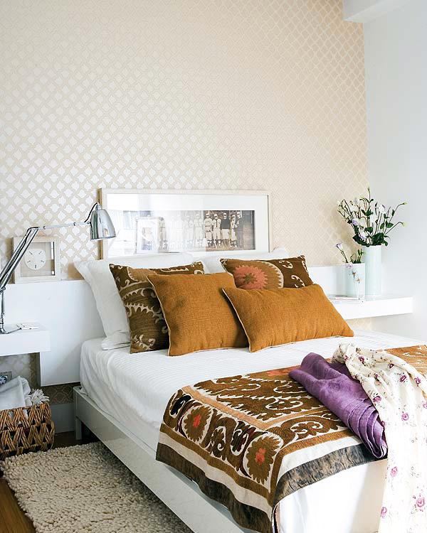 jilishta-accent-in-bedroom-17