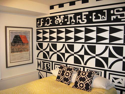jilishta-accent-in-bedroom-9