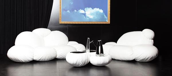 Колекцията включва диван, кресло и малки масички